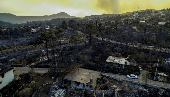 U Turskoj pod kontrolom 88 od ukupno 98 šumskih požara