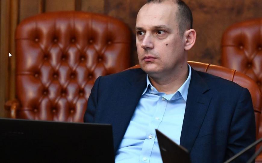 Osuda genocida teško pala i ministru zdravlja Srbije