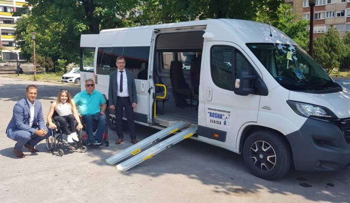Vlada ZDK pomogla nabavku kombi vozila za potrebe KIK Bosna Zenica
