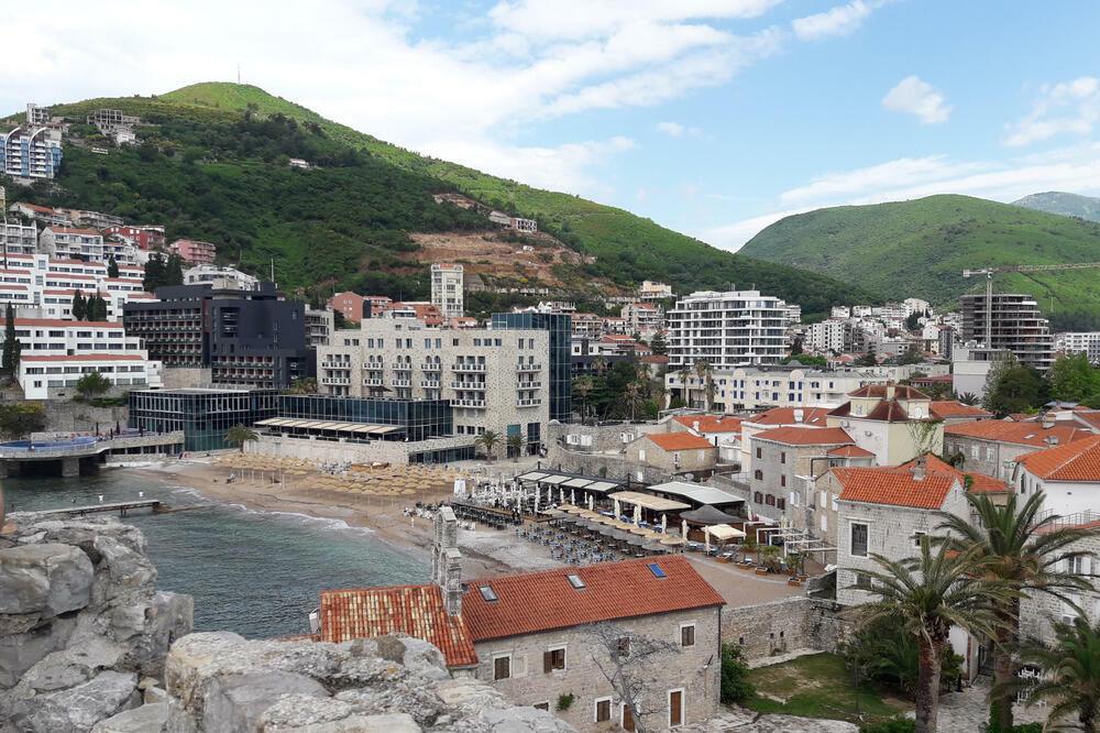 Primjena mjera u Crnoj Gori: Diskoteke sa dva ulaza, maske se ne moraju nositi