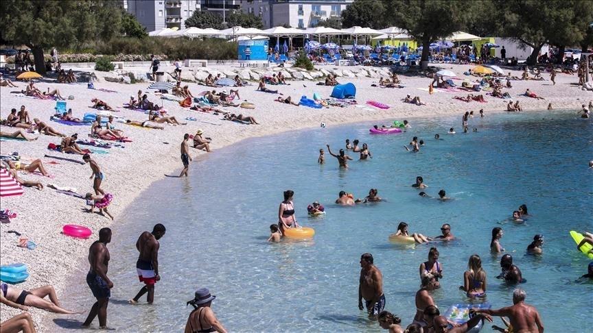 Na plaži na Jadranu zabranjeno kupanje, puna je opasne bakterije