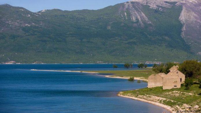 Busko jezero