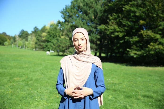 Djevojka Muslimanka Austrija Hidžab
