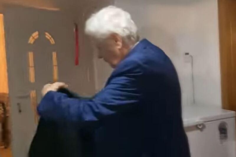 Uhapšen Fikret Abdić, porodica snimala dolazak SIPA-e na vrata (VIDEO)
