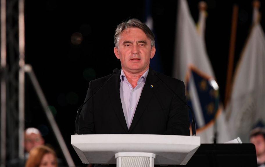 Srbijanski ambasador odbio doći u Predsjedništvo, Komšić i Džaferović otkazali put u Beograd