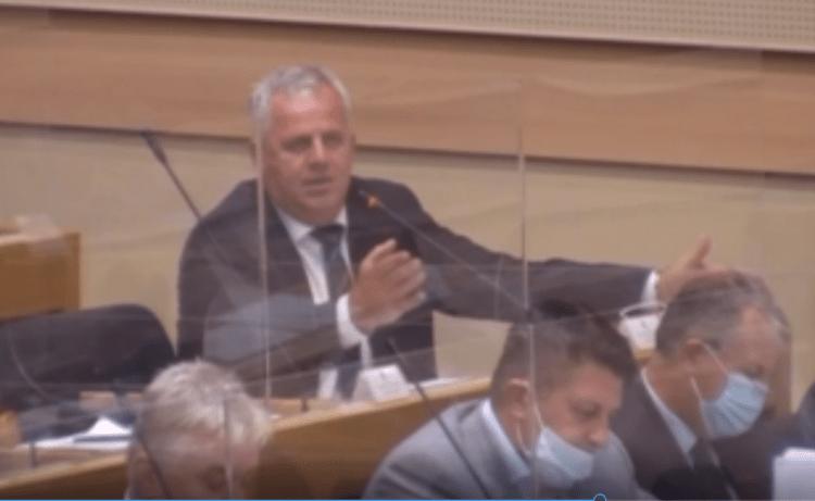 NSRS: Opozicionarima isključen mikrofon jer nisu nosili masku (VIDEO)