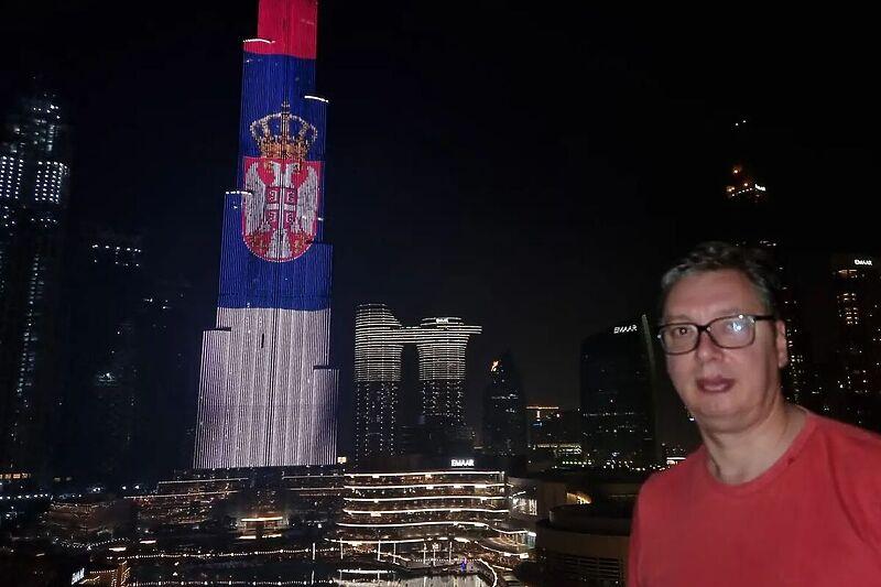 Burj Khalifa je sinoć bila osvijetljena u bojama zastave Srbije u čast Aleksandra Vučića